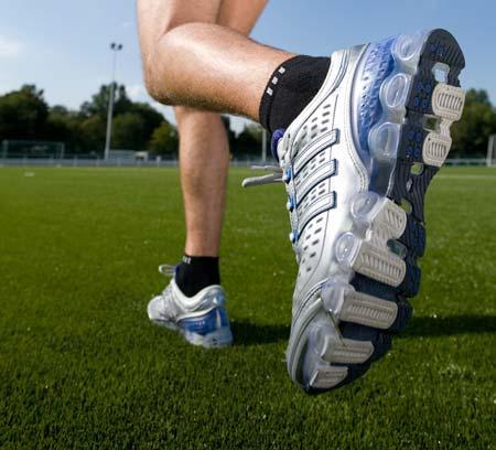 Обувь для занятий спортом: какой она должна быть?